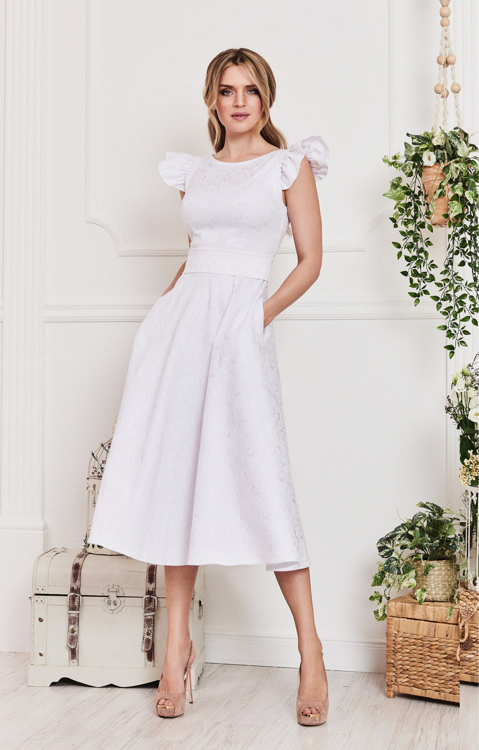"""Cocktail dress """"Karin"""" White with detachable sleeves"""